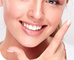 Mosolyunk ékessége a szép fogsor