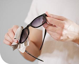 Lásson tisztán! A szemüveg tisztítható